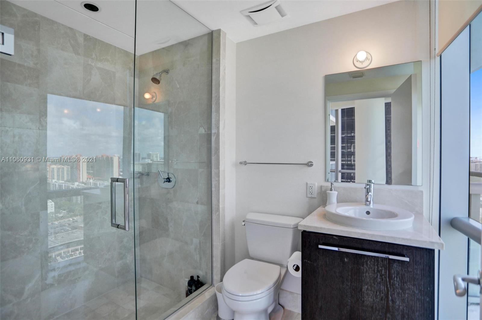 17121 Collins Ave #2508 photo028