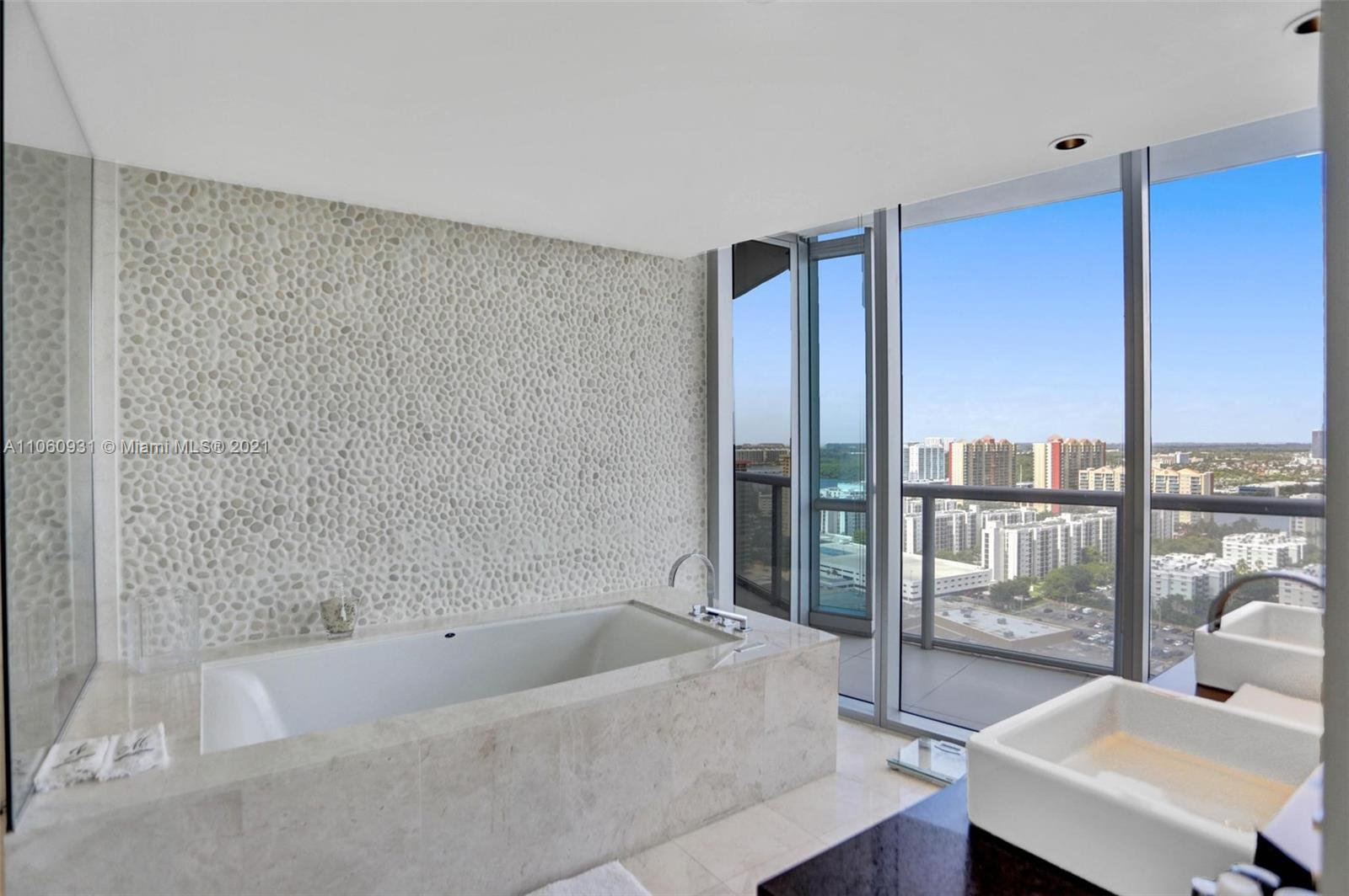 17121 Collins Ave #2508 photo024
