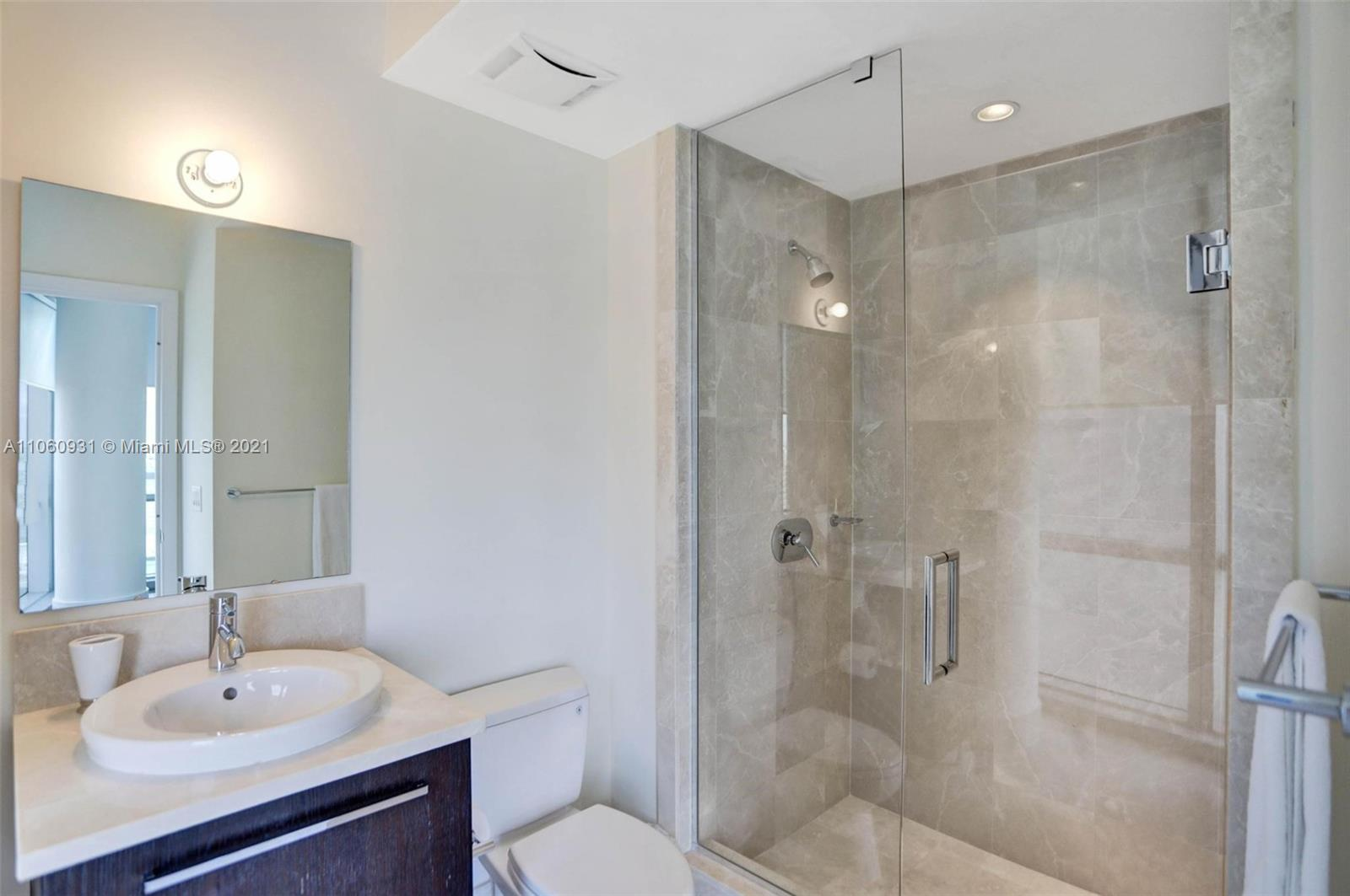17121 Collins Ave #2508 photo030