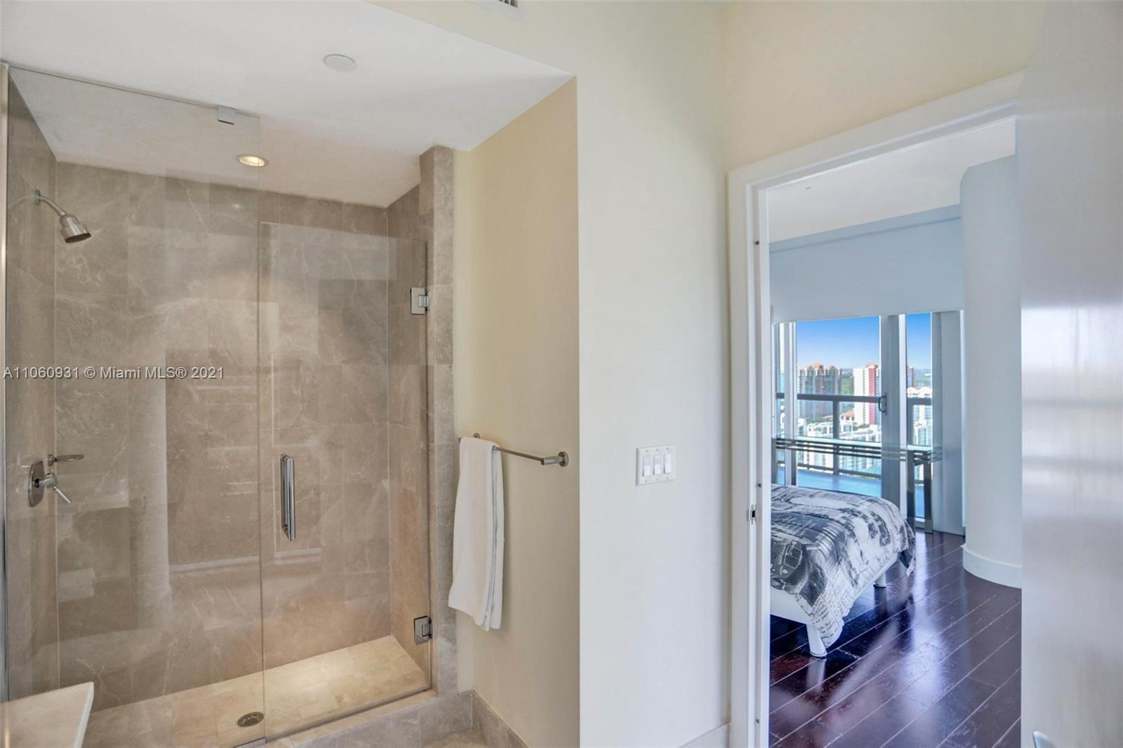 17121 Collins Ave #2508 photo031