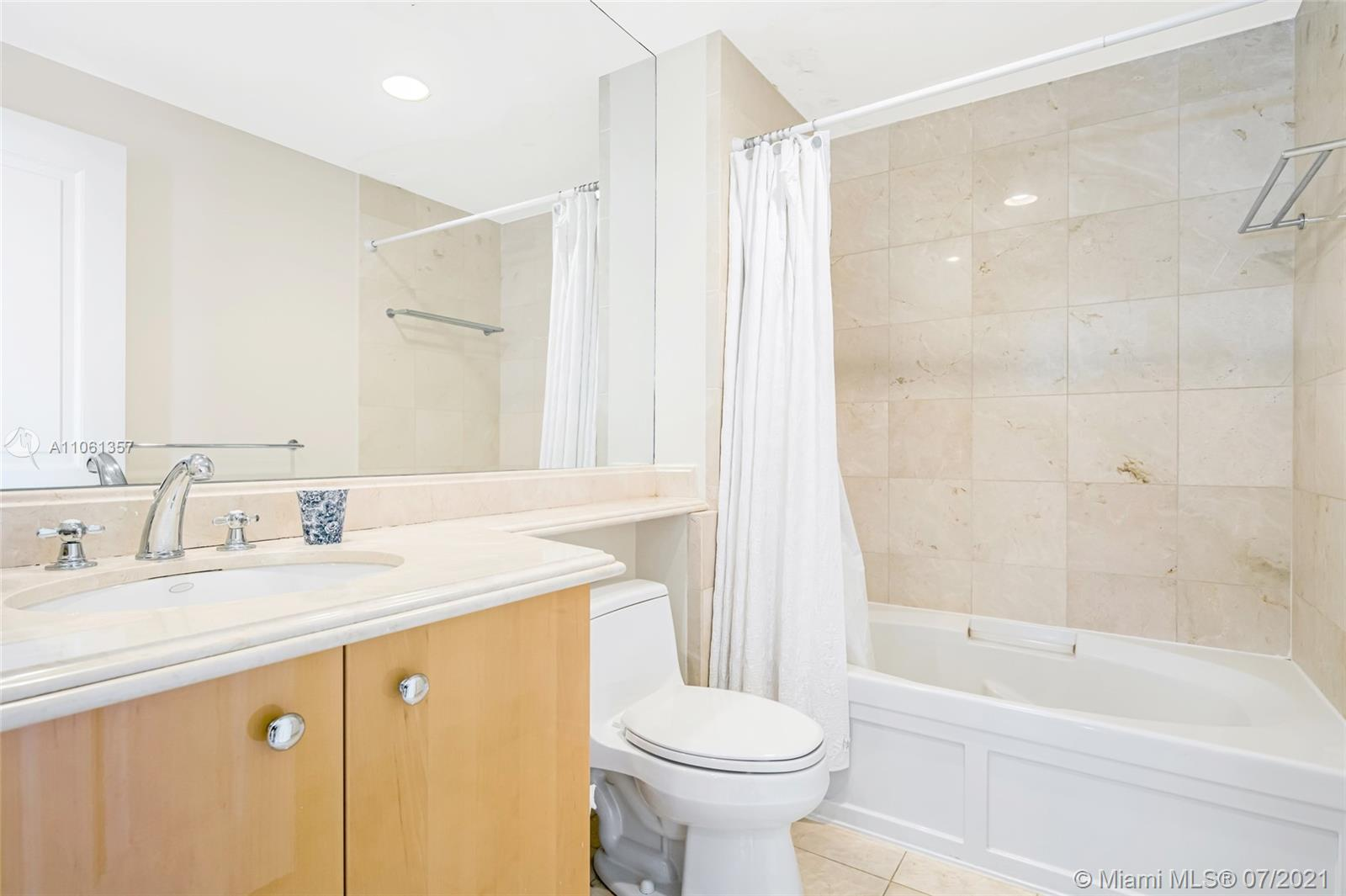17875 Collins Ave #701 photo022
