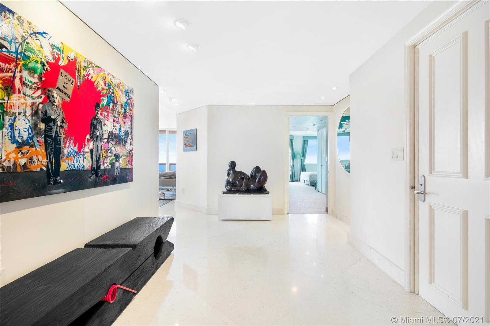 17875 Collins Ave #701 photo03