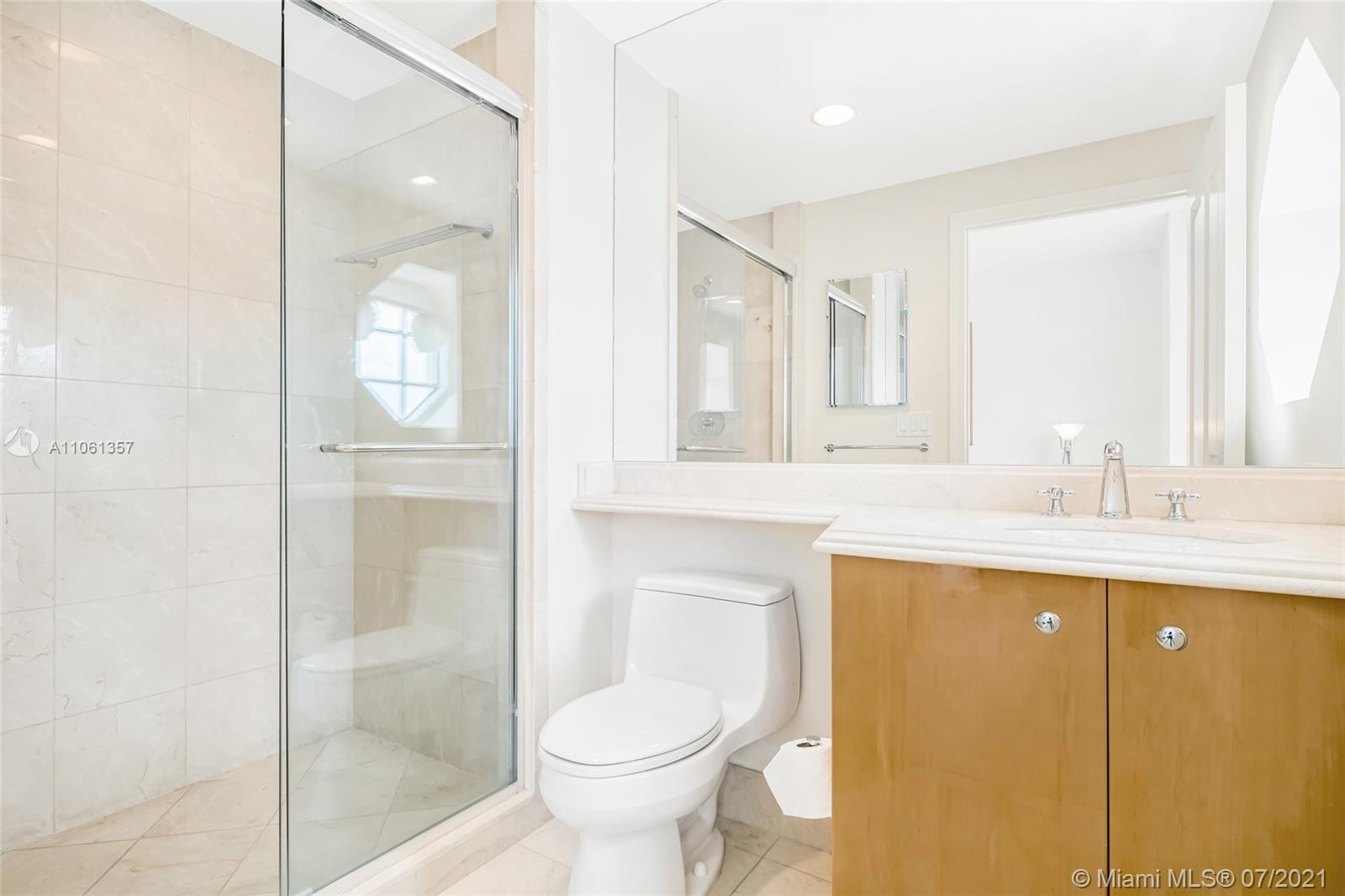 17875 Collins Ave #701 photo028