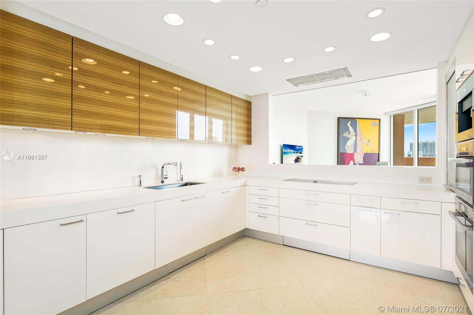17875 Collins Ave #701 photo010