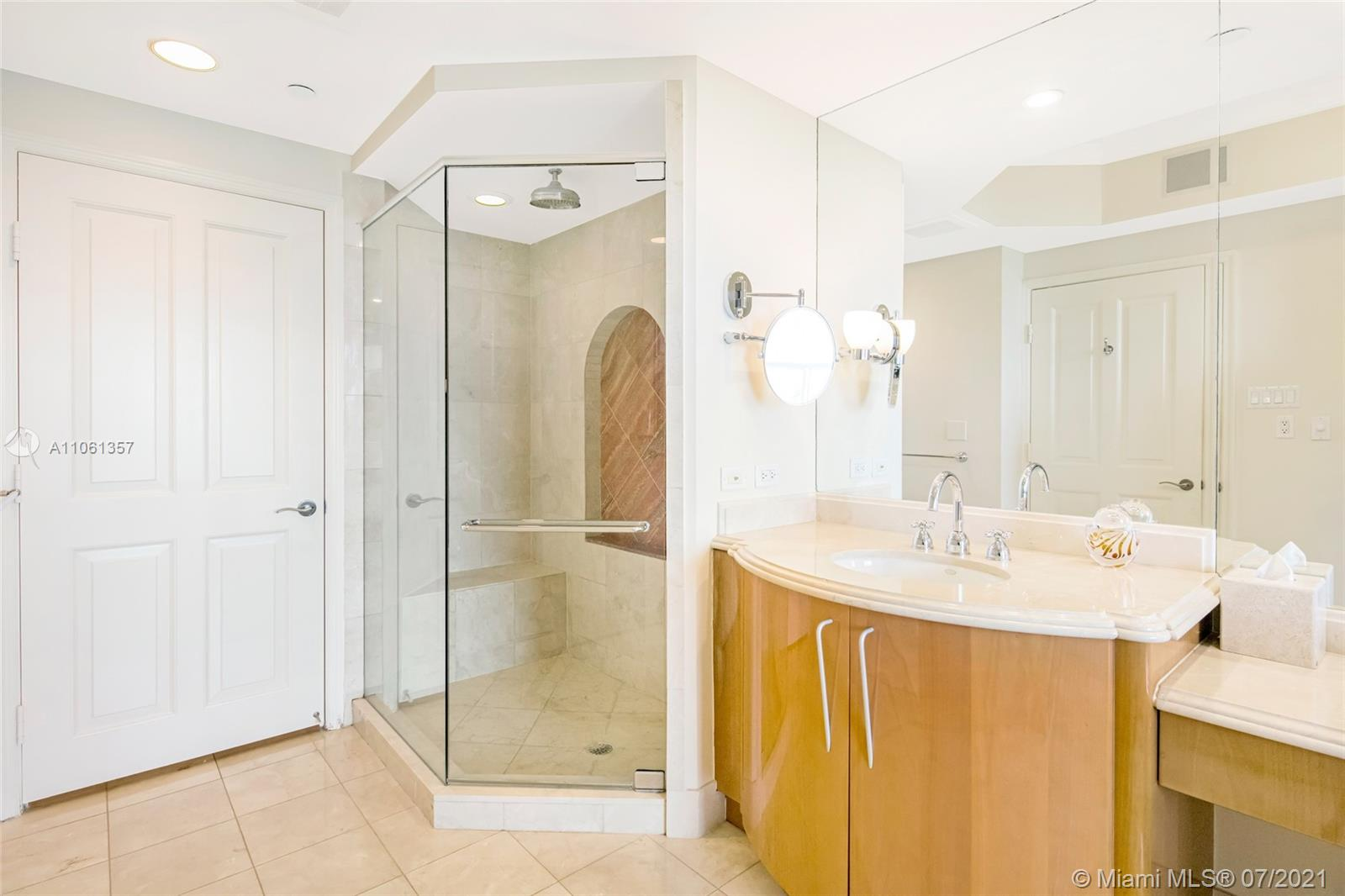 17875 Collins Ave #701 photo019