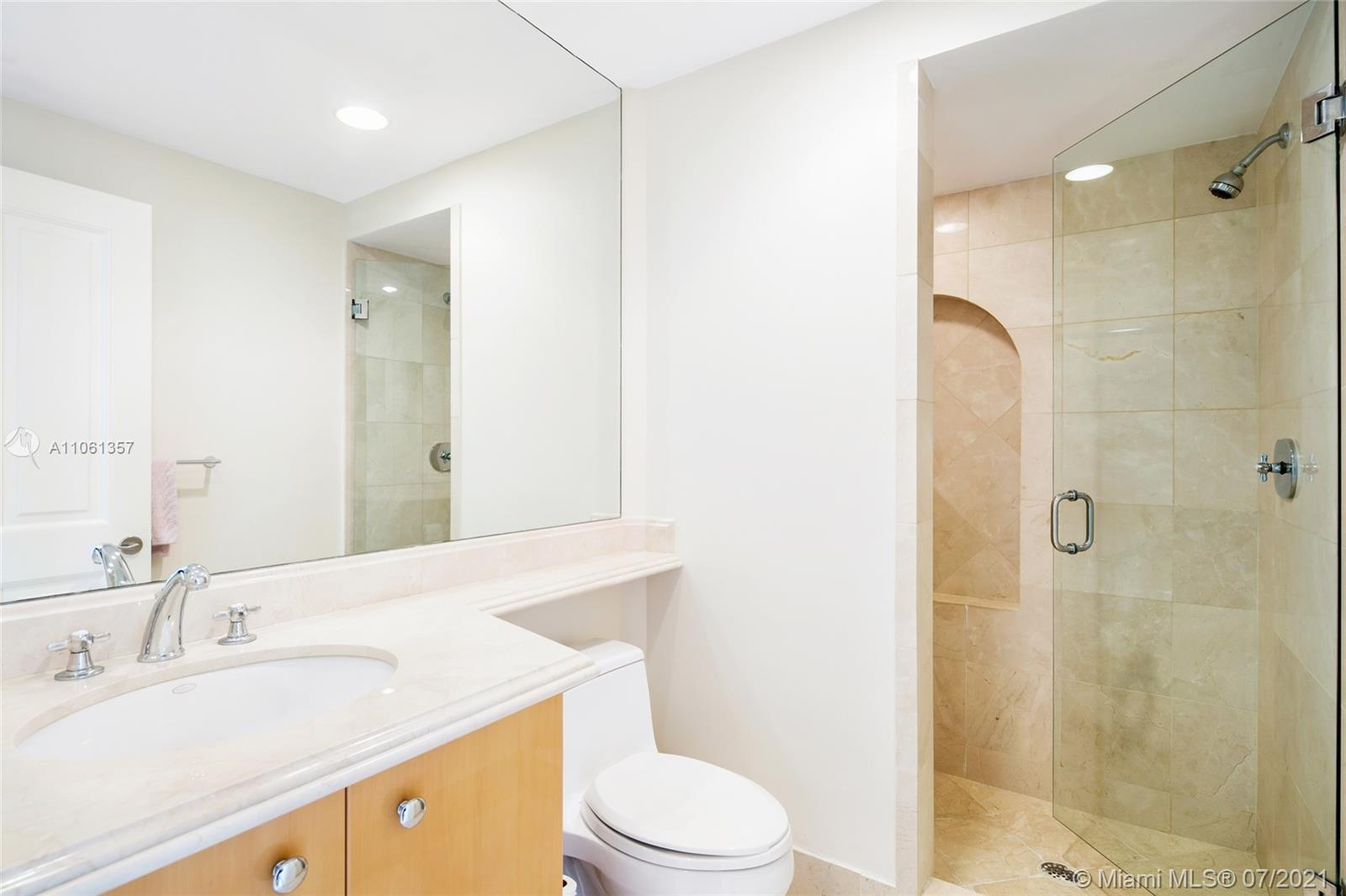 17875 Collins Ave #701 photo025