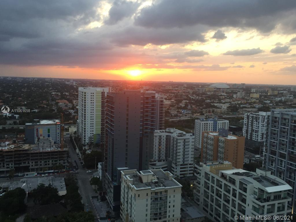 Condo For Rent at THE AXIS ON BRICKELL II C