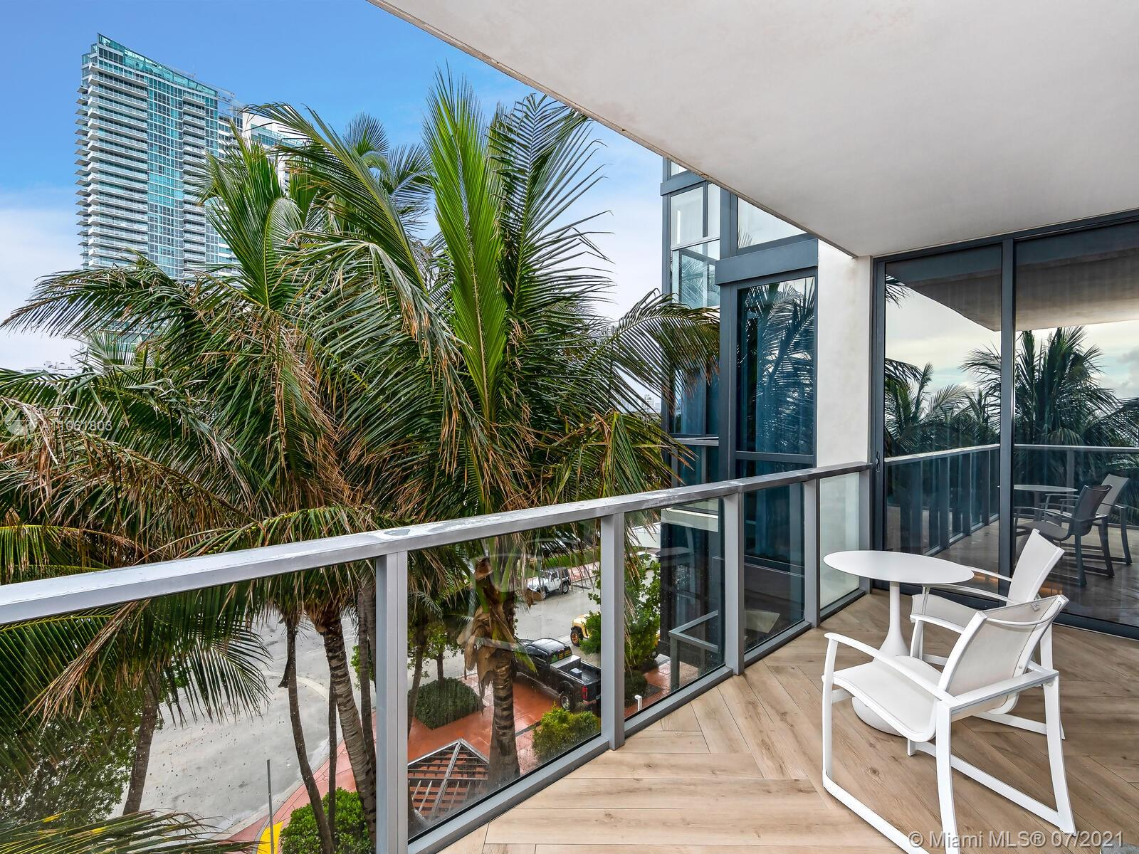 2201 Collins Ave #428 photo010