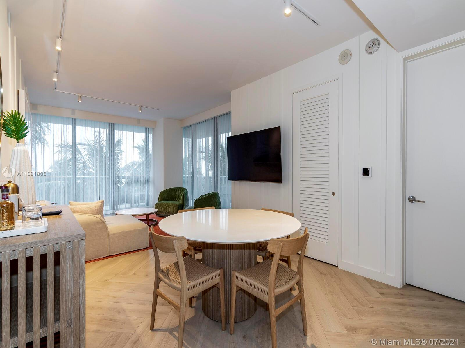 2201 Collins Ave #428 photo015