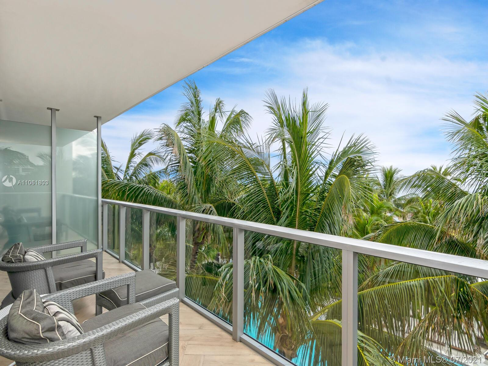 2201 Collins Ave #428 photo011