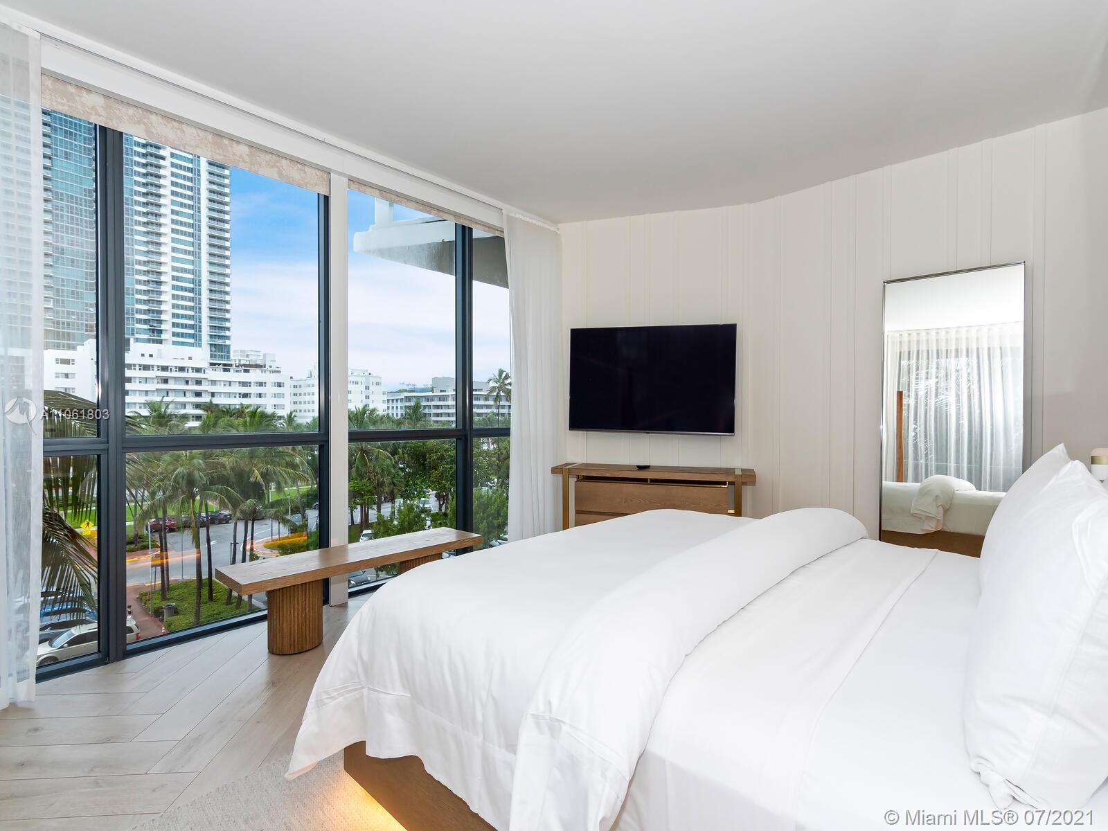 2201 Collins Ave #428 photo031