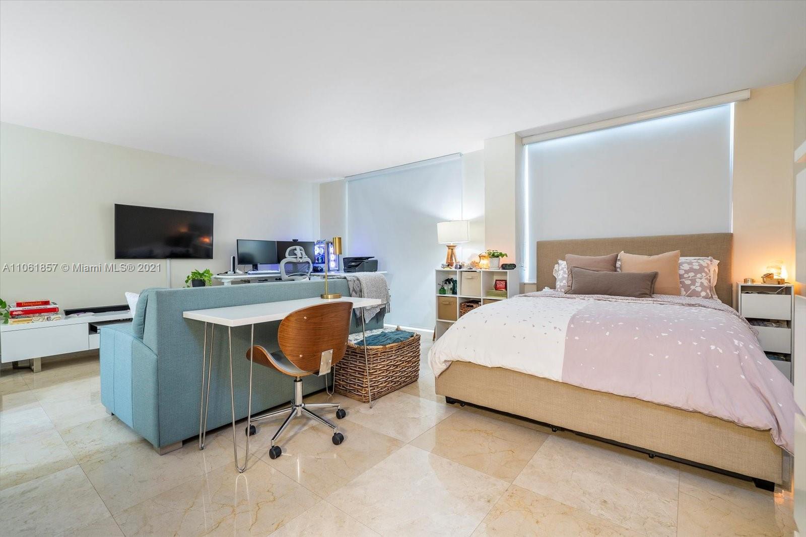 Oceanside Plaza #5P - 5555 Collins Ave #5P, Miami Beach, FL 33140