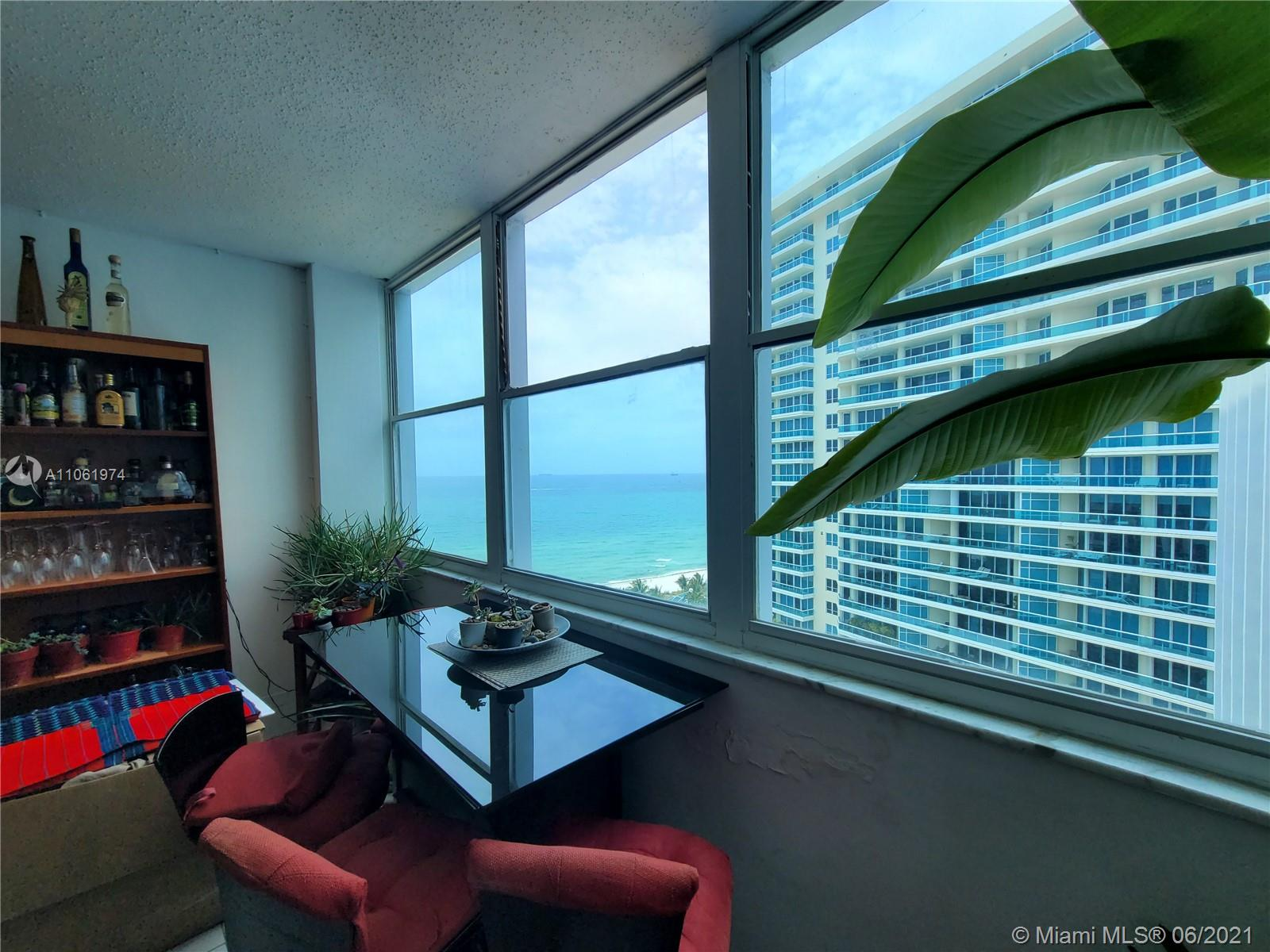 5055 Collins Ave #14F photo01