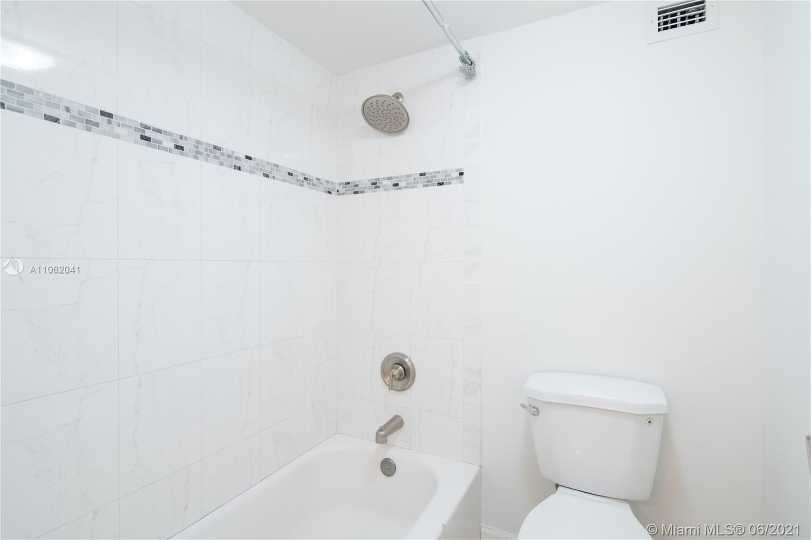 6039 Collins Ave #1406 photo012