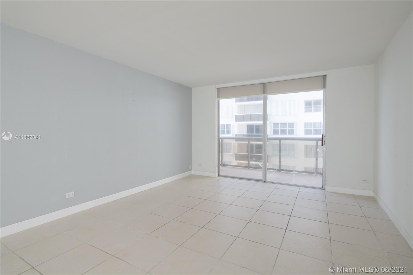 6039 Collins Ave #1406 photo03