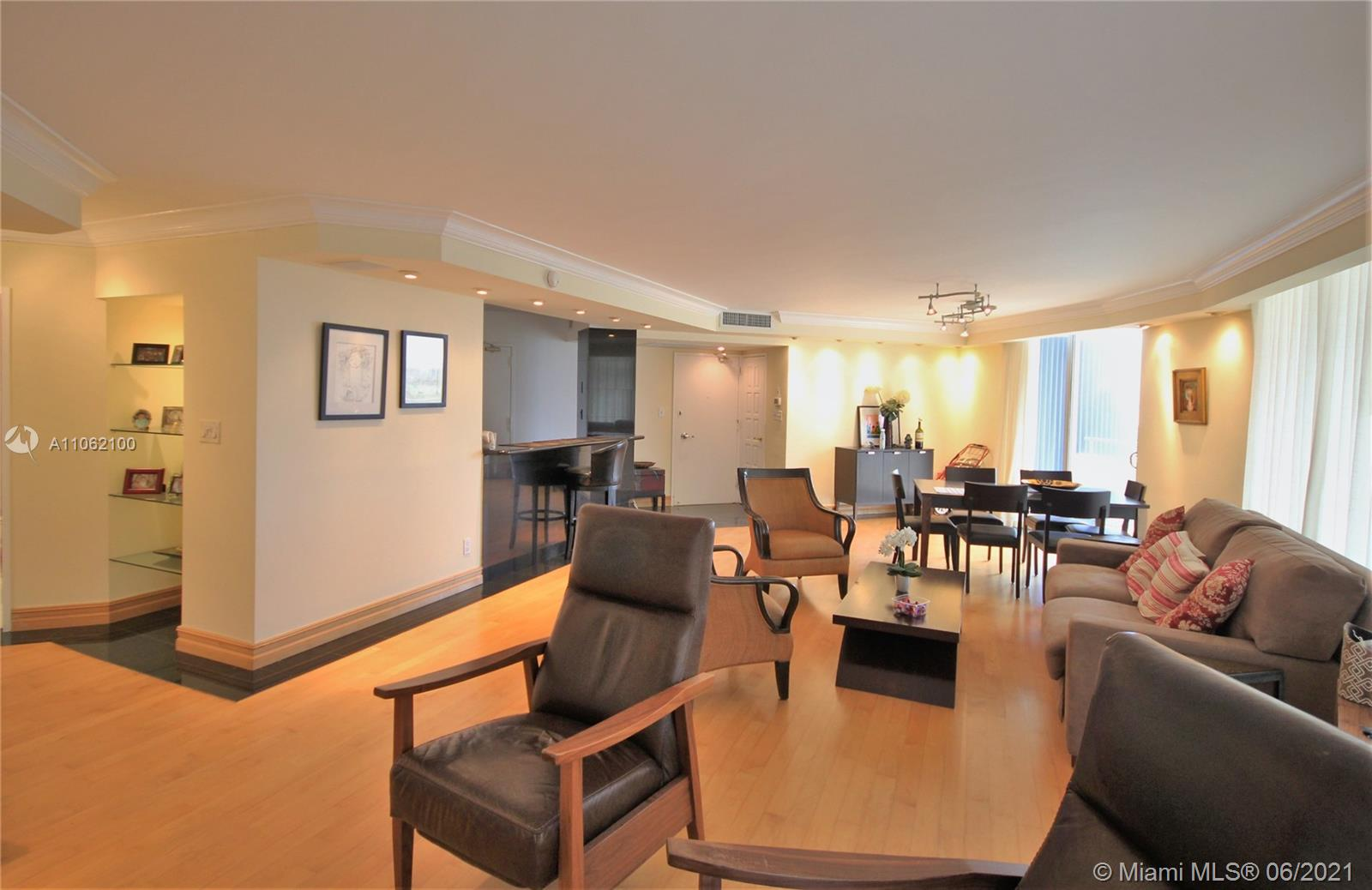5161 Collins Ave #1404 photo06