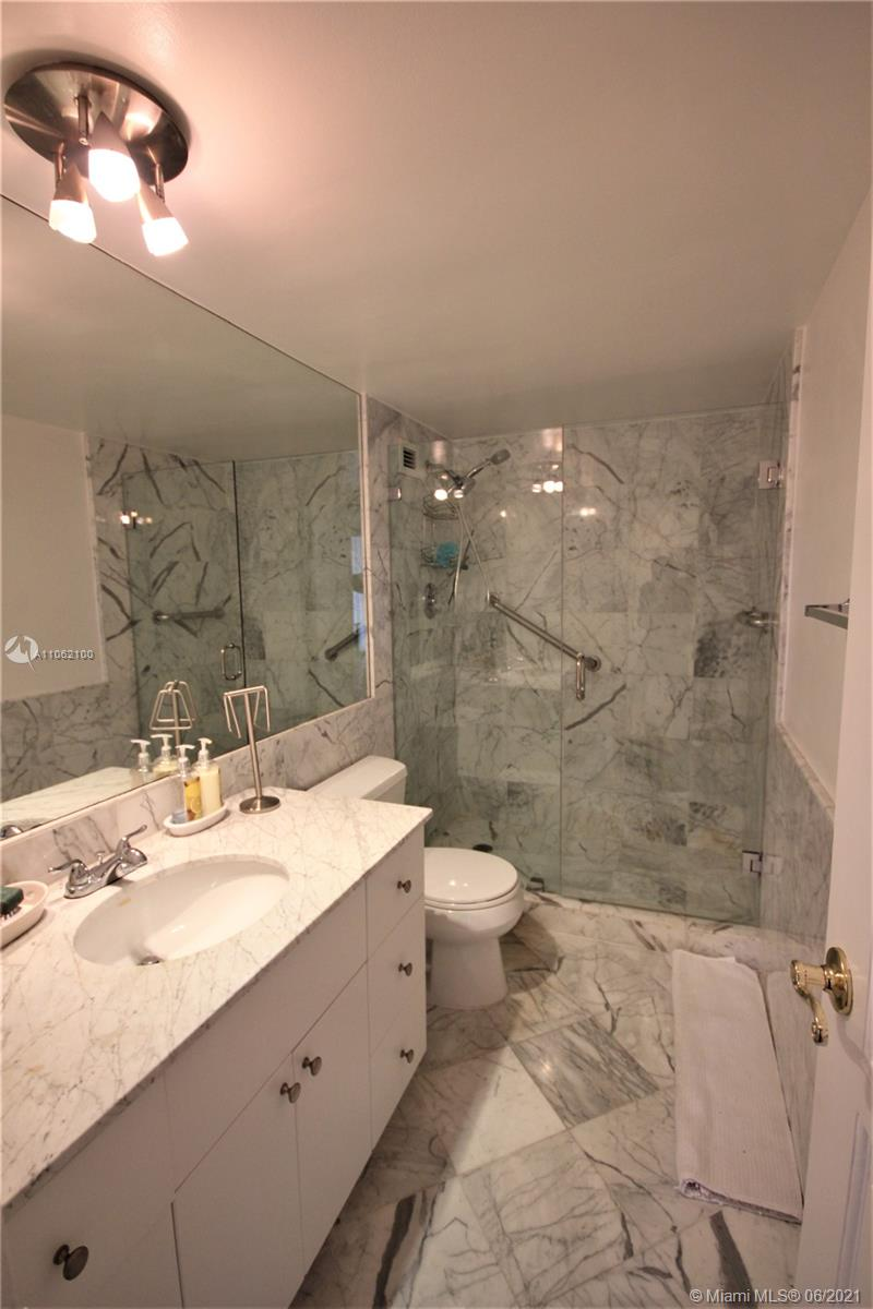 5161 Collins Ave #1404 photo043
