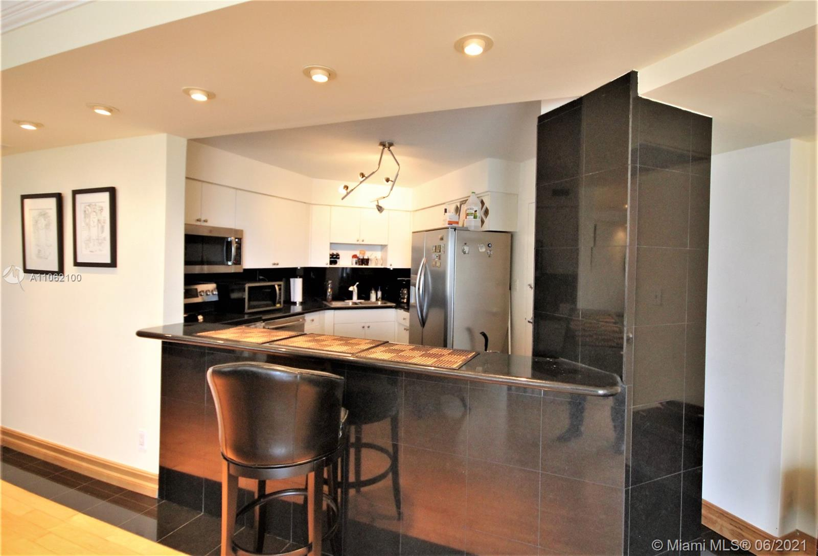 5161 Collins Ave #1404 photo07