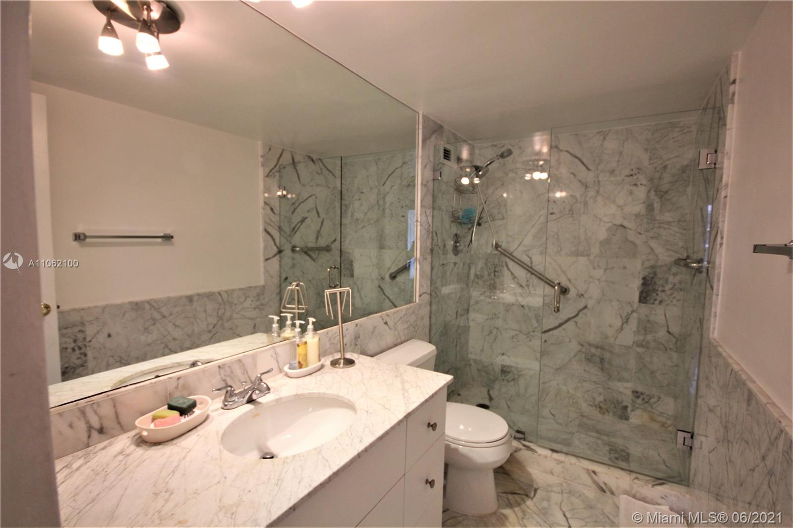 5161 Collins Ave #1404 photo010