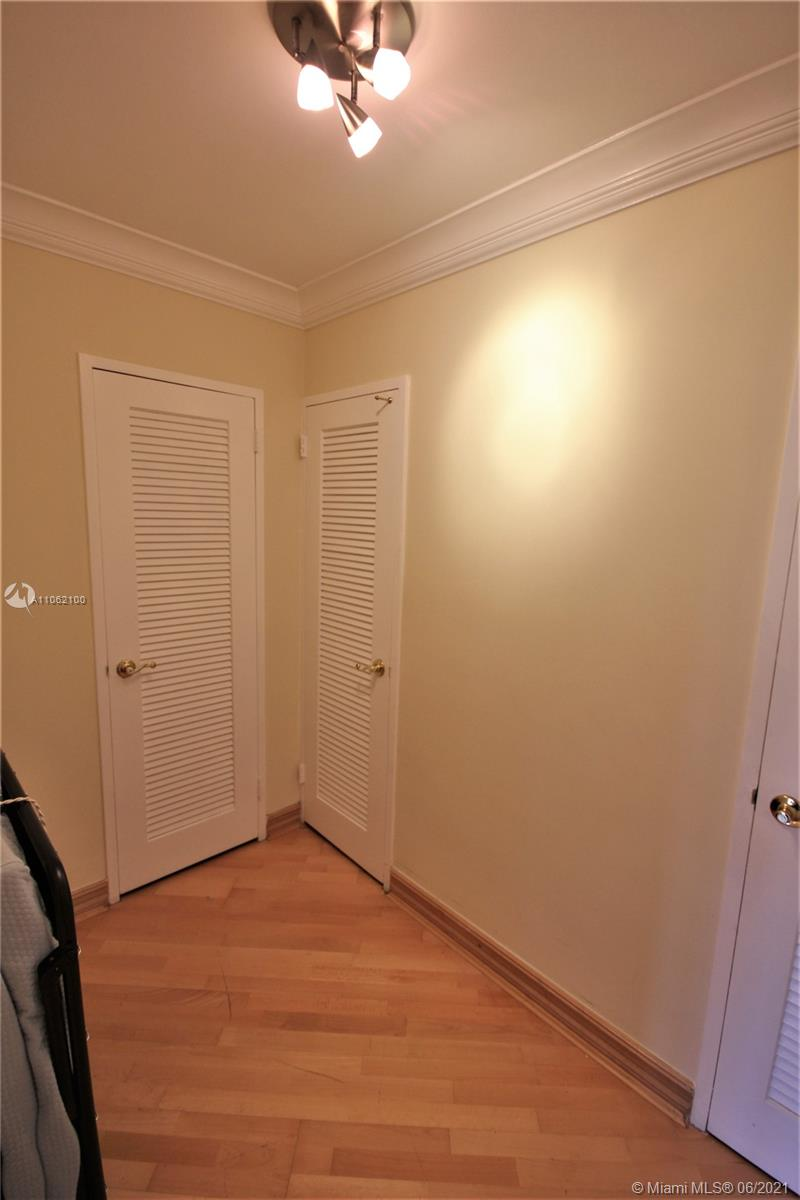 5161 Collins Ave #1404 photo048