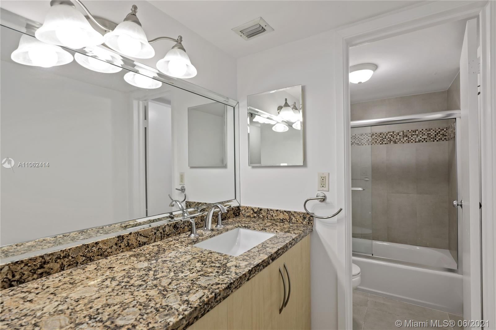 2625 Collins Ave #1010 photo013