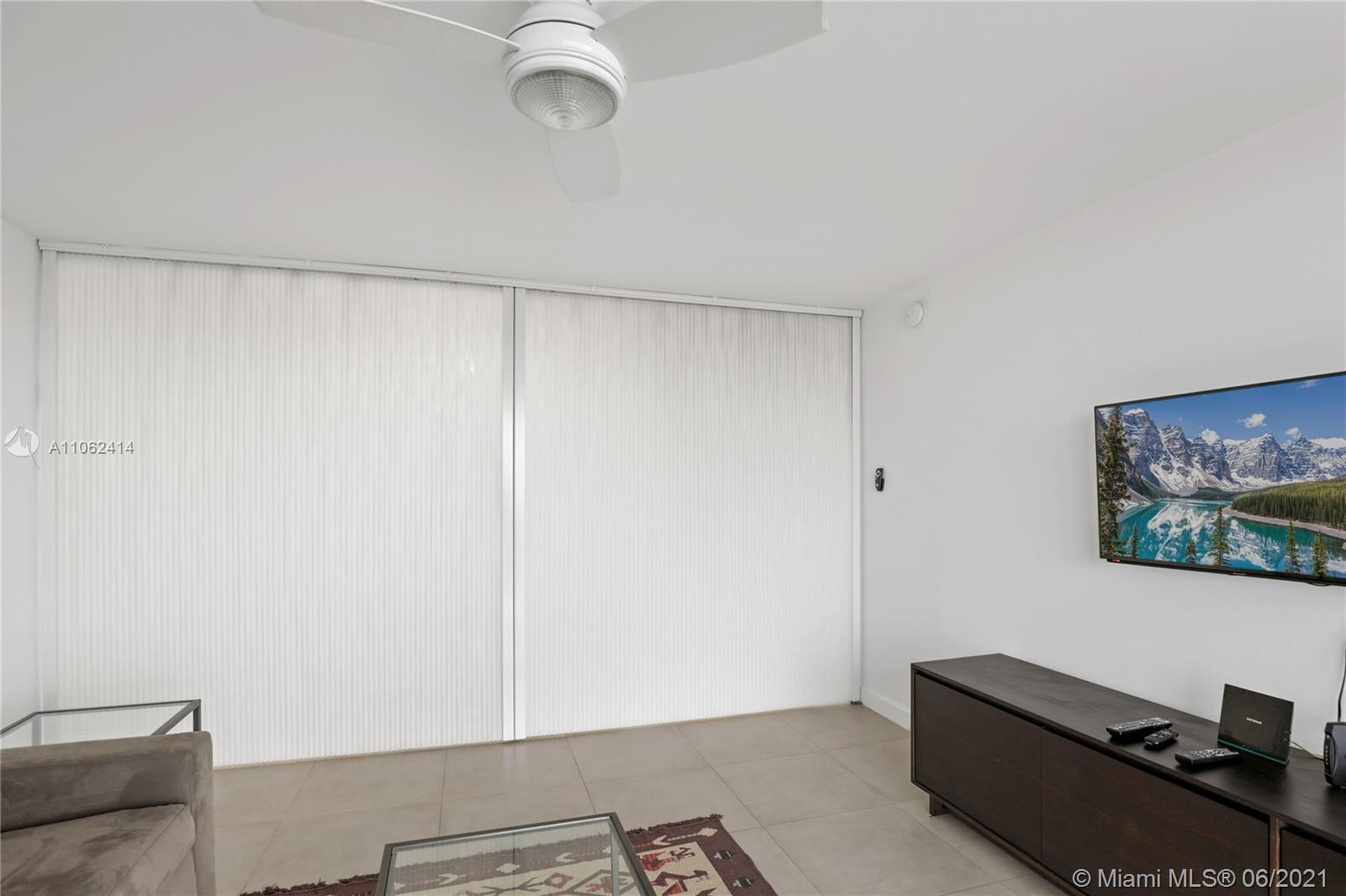 2625 Collins Ave #1010 photo08