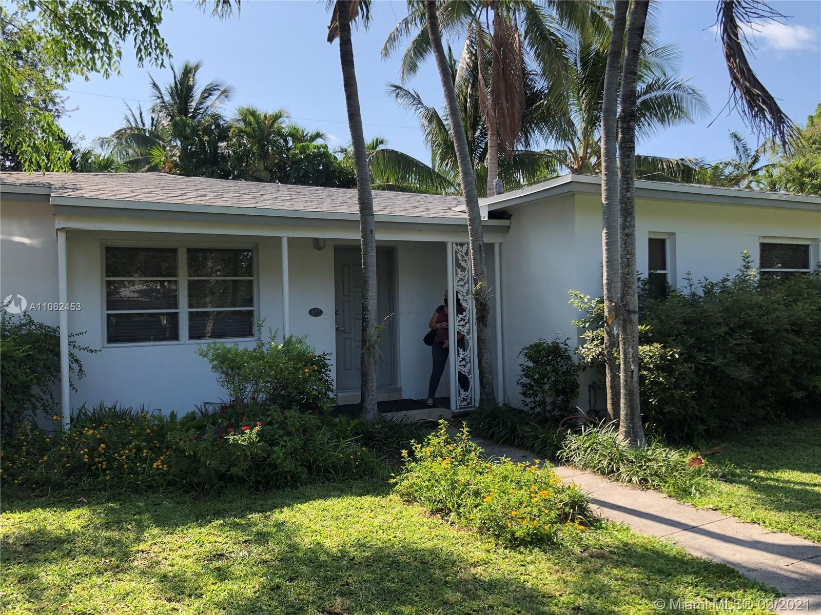 Tropical Isle Homes - 485 Warren Ln, Key Biscayne, FL 33149