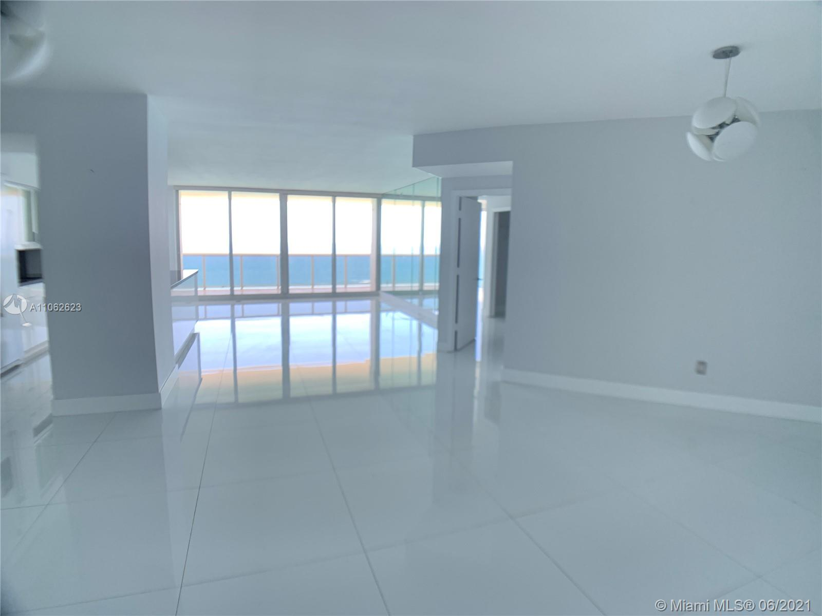 4775 Collins Ave #3902 photo05