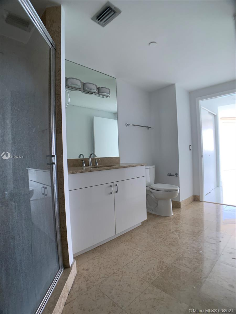 4775 Collins Ave #3902 photo020