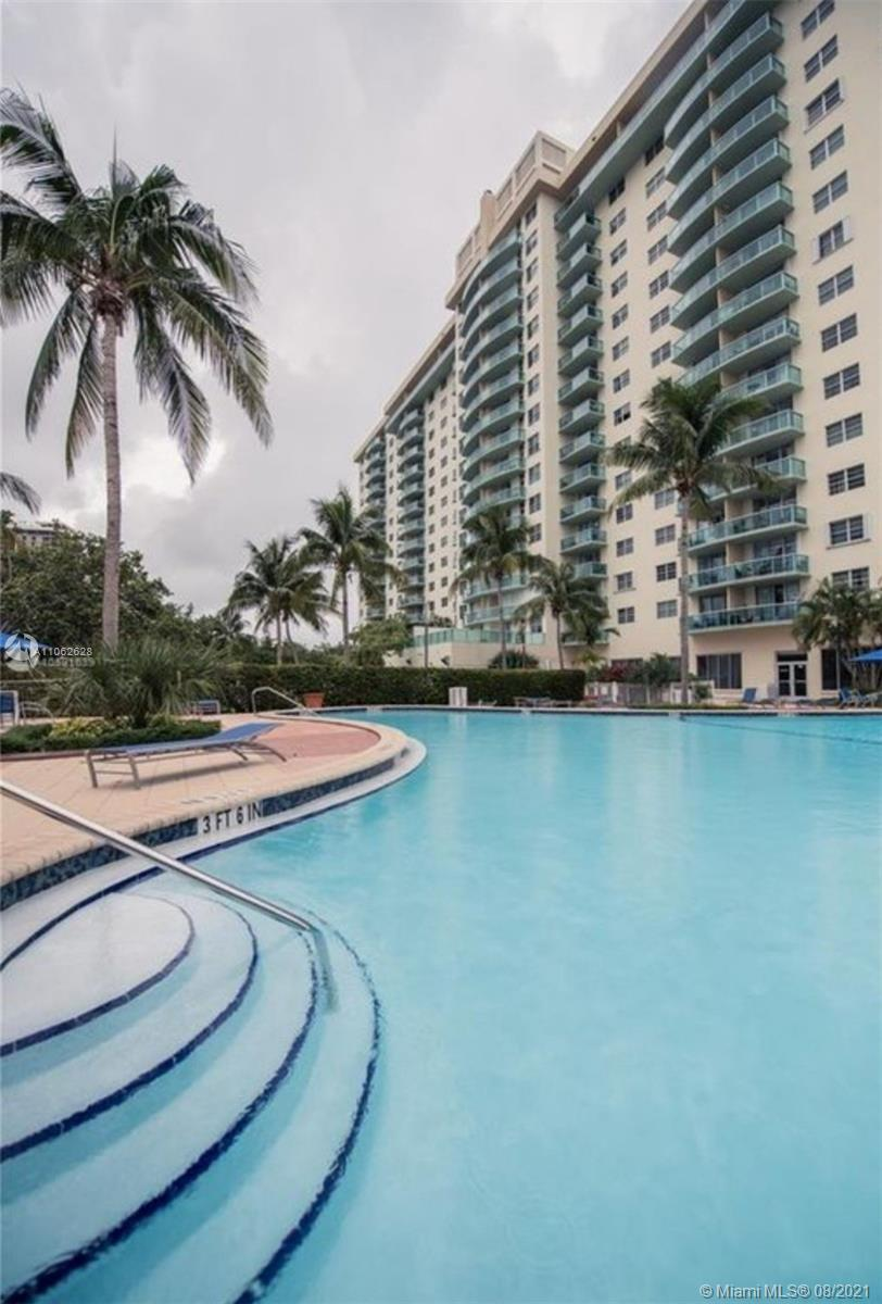 19380 Collins Ave #224 photo03