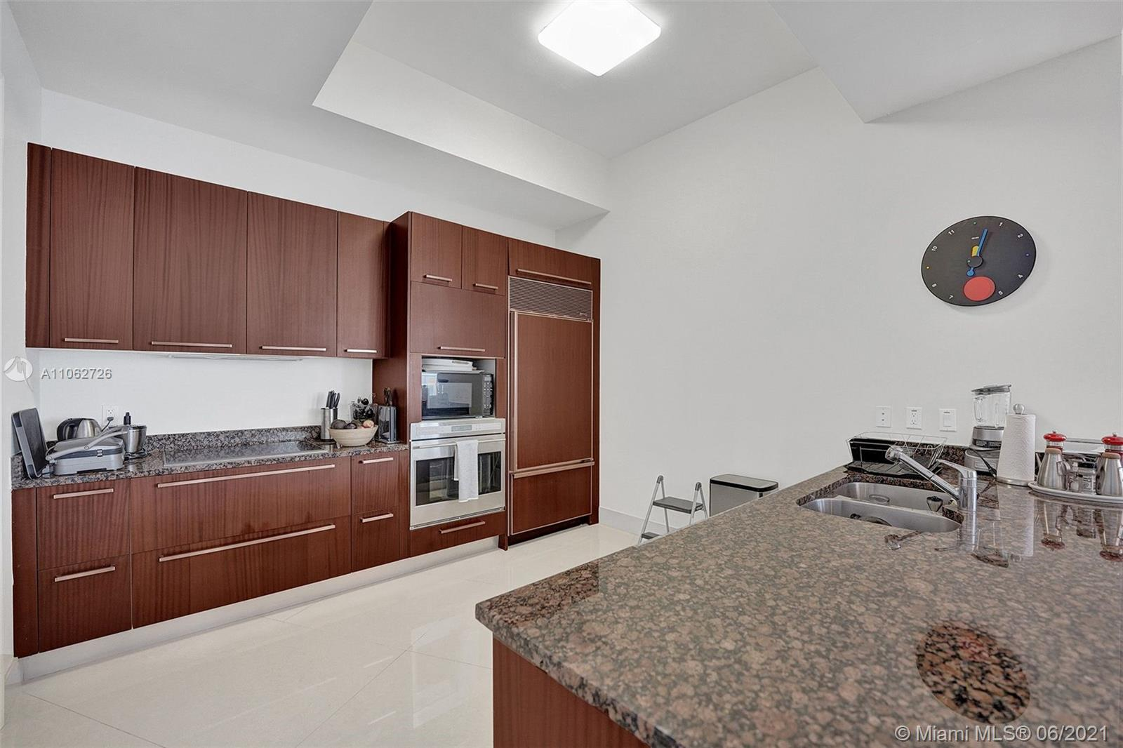 15811 Collins Ave #3307 photo067