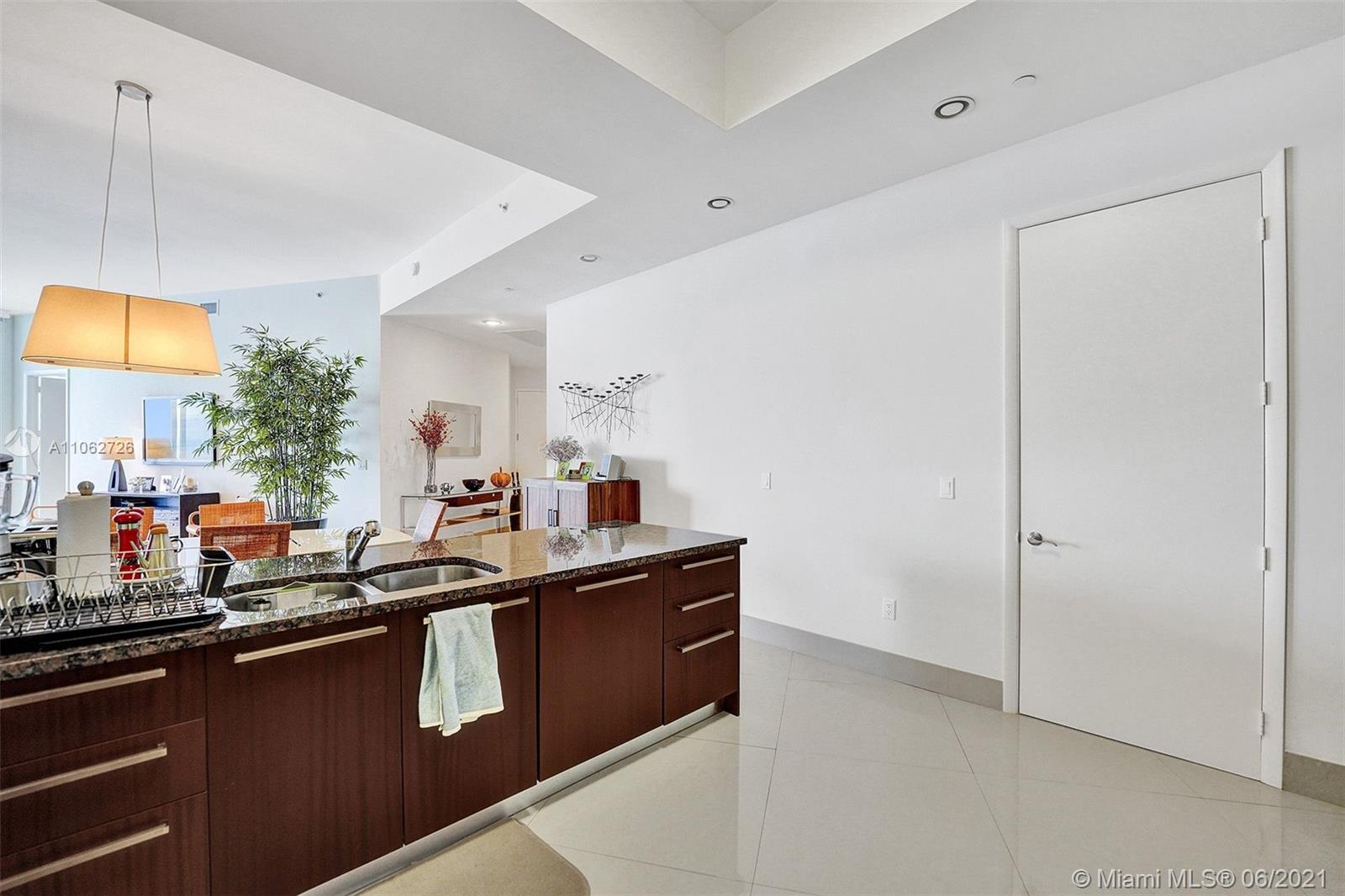 15811 Collins Ave #3307 photo071