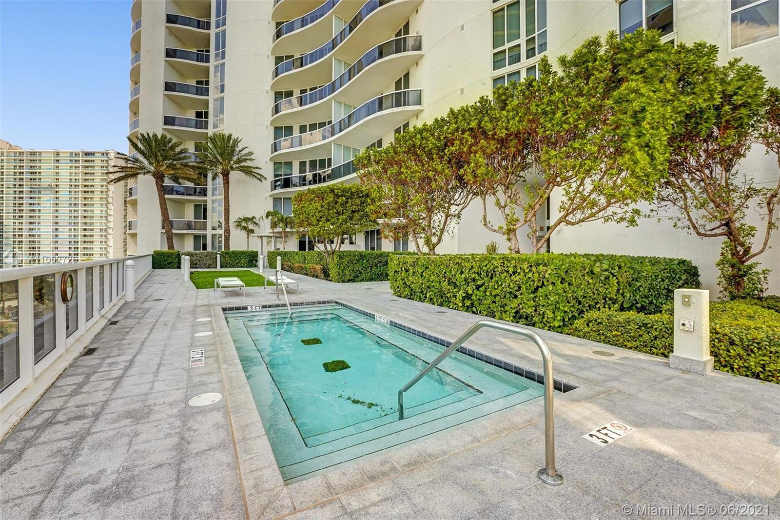 15811 Collins Ave #3307 photo092