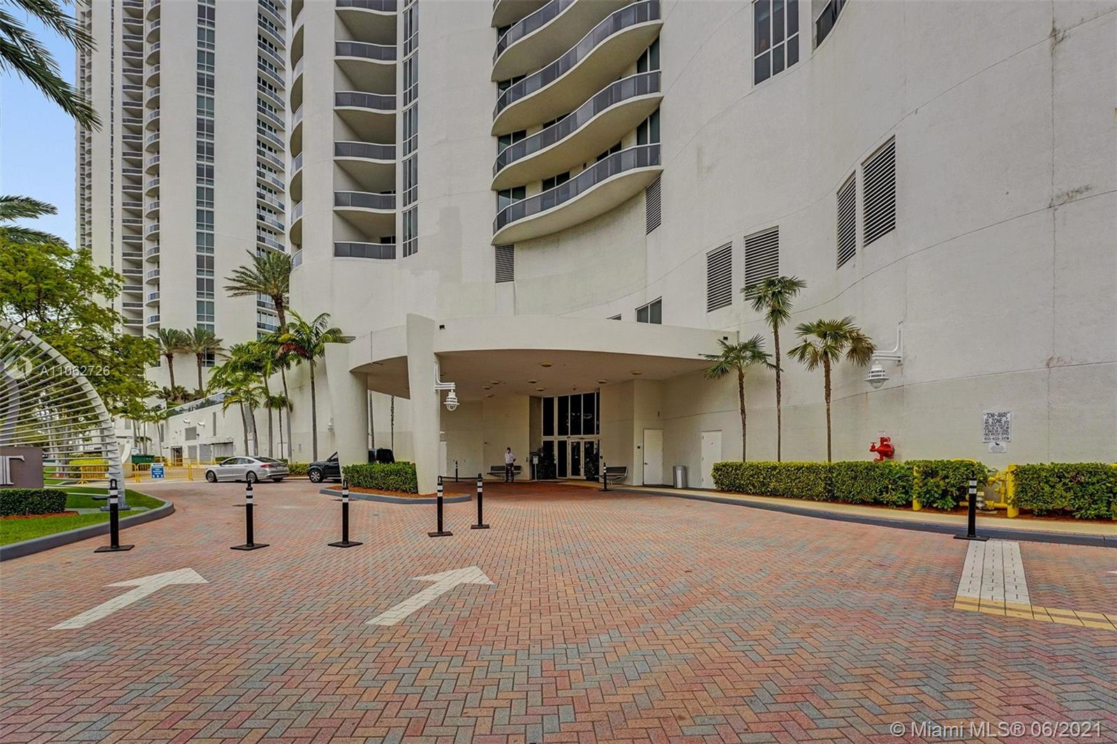 15811 Collins Ave #3307 photo09
