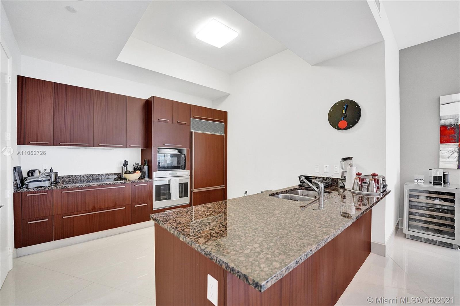 15811 Collins Ave #3307 photo065