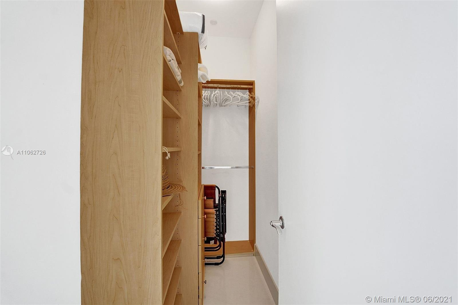 15811 Collins Ave #3307 photo049