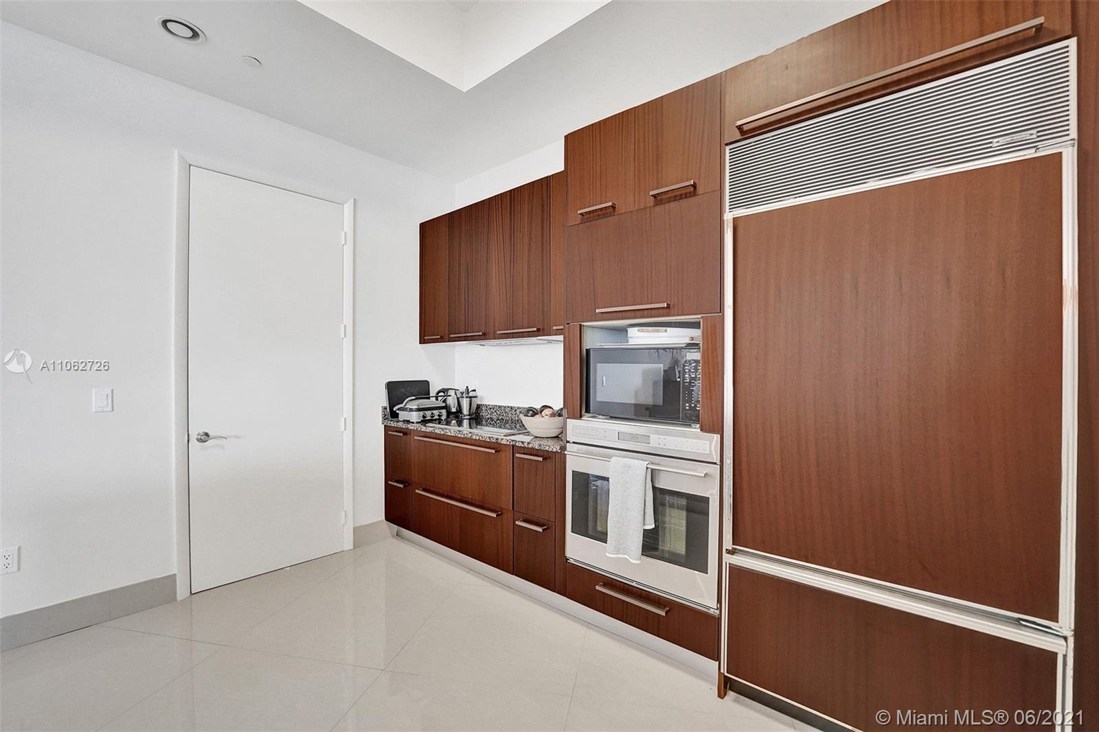 15811 Collins Ave #3307 photo070