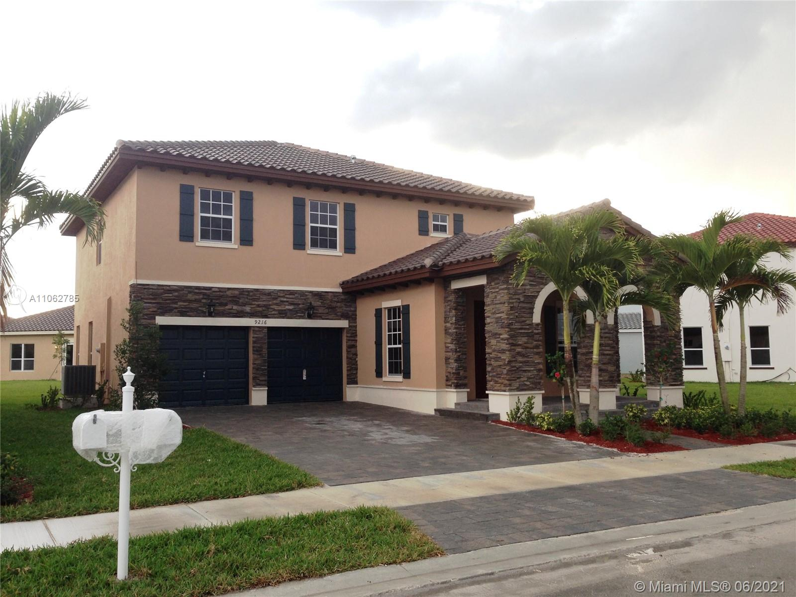 Kendall Commons - 9216 SW 170th Psge, Miami, FL 33196