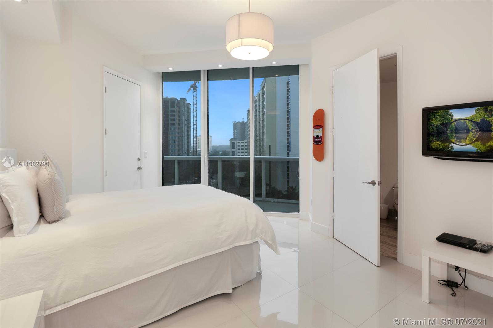 15901 Collins Ave #604 photo023