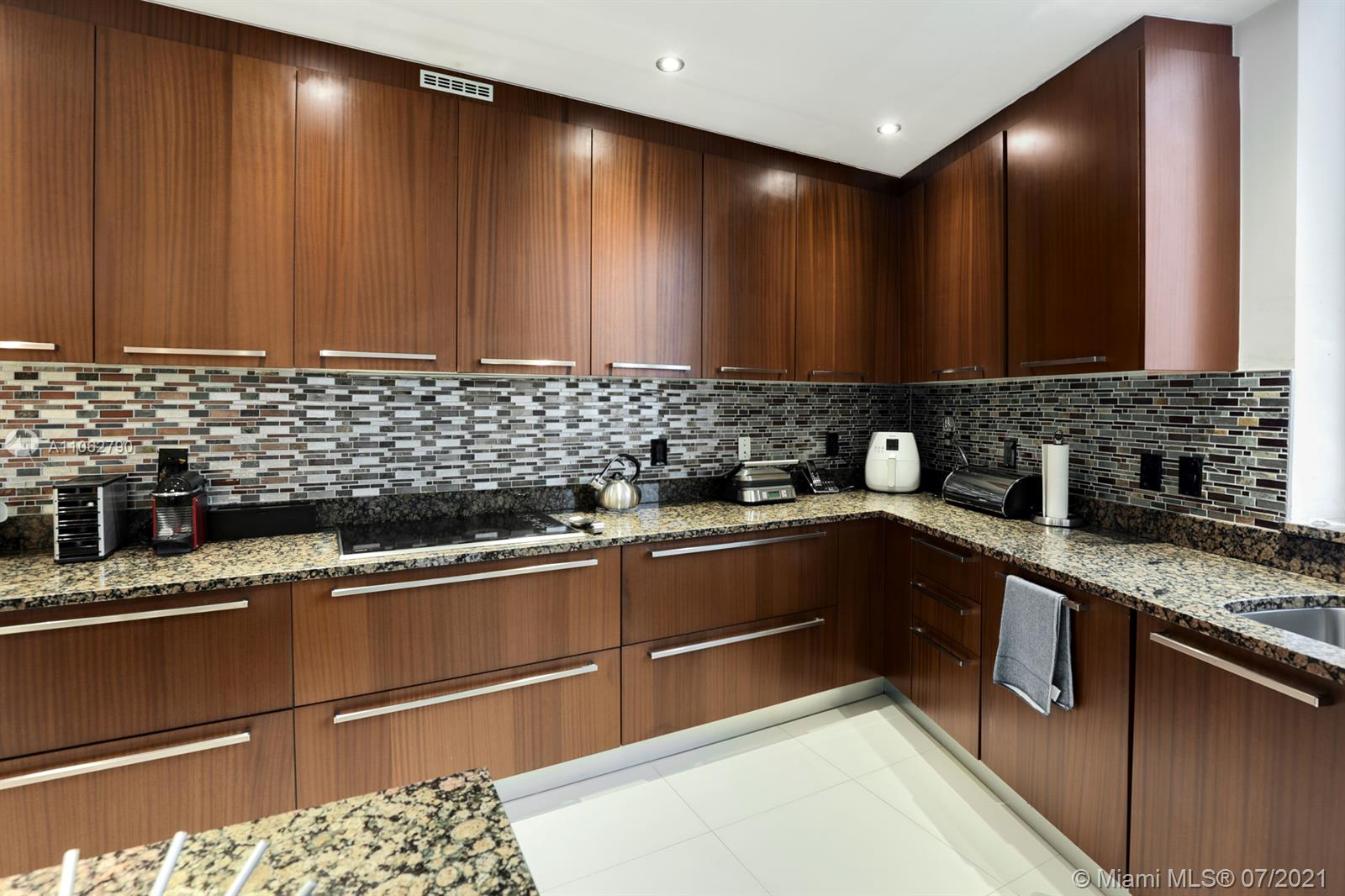 15901 Collins Ave #604 photo019