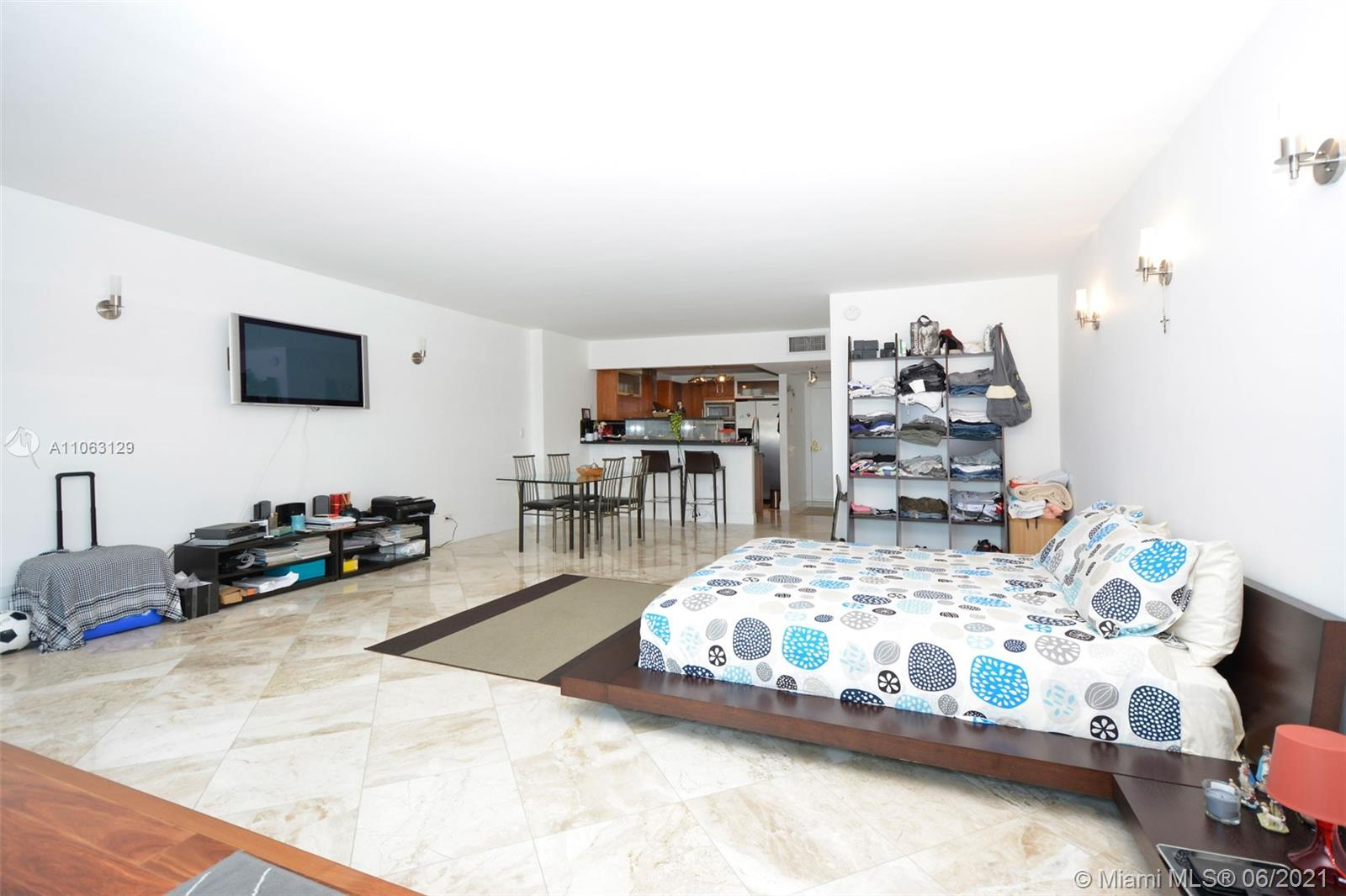 2301 Collins Ave #731 photo07