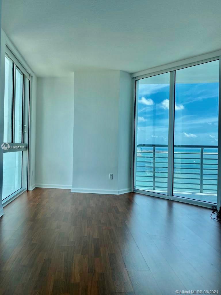 One Miami #3826 - 01 - photo