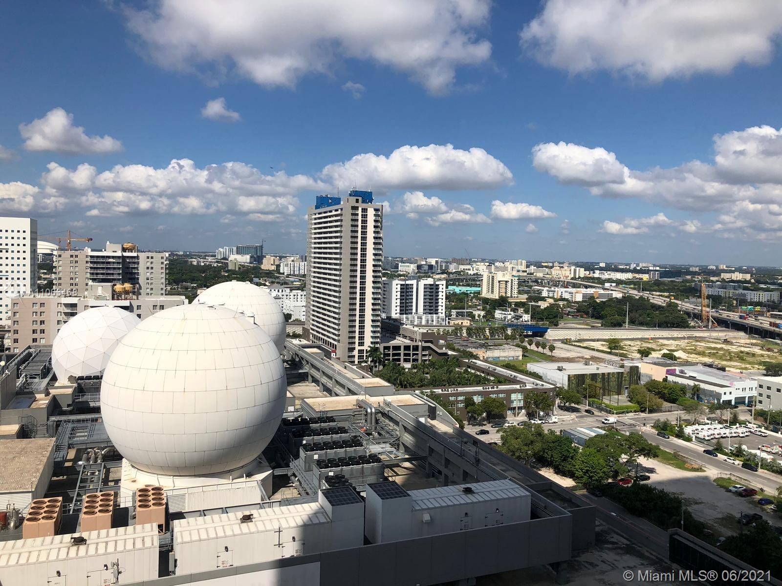 Paramount Miami Worldcenter #1508 - 14 - photo