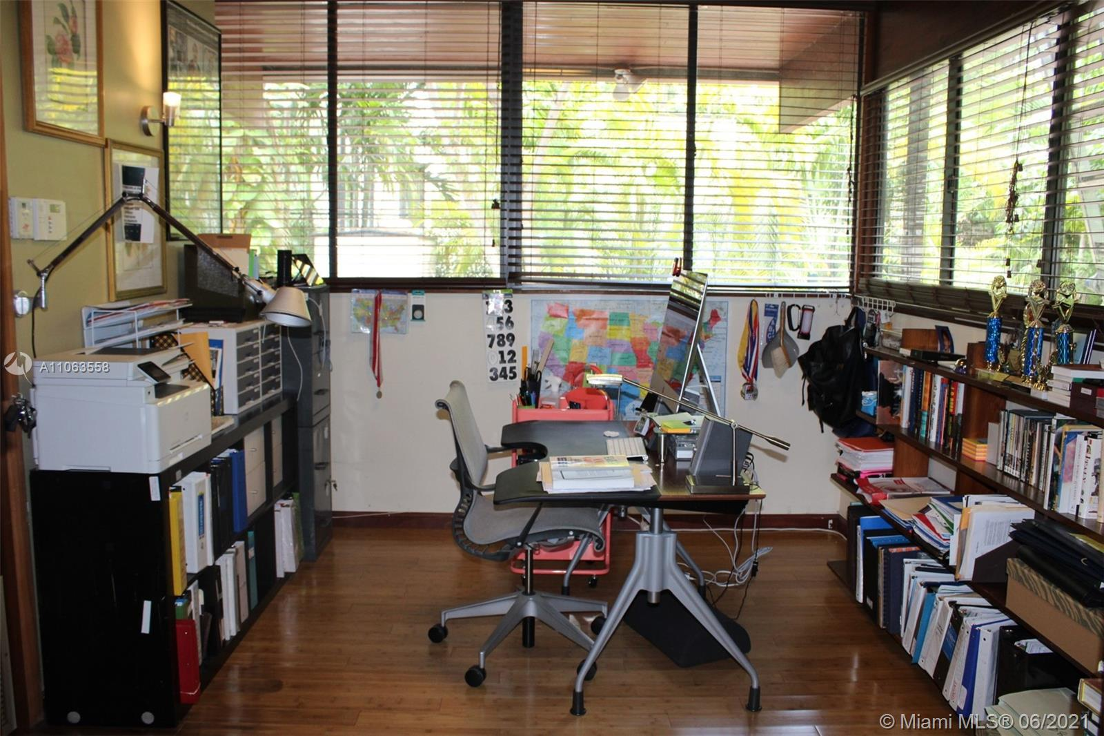 400 N Hibiscus Dr photo012