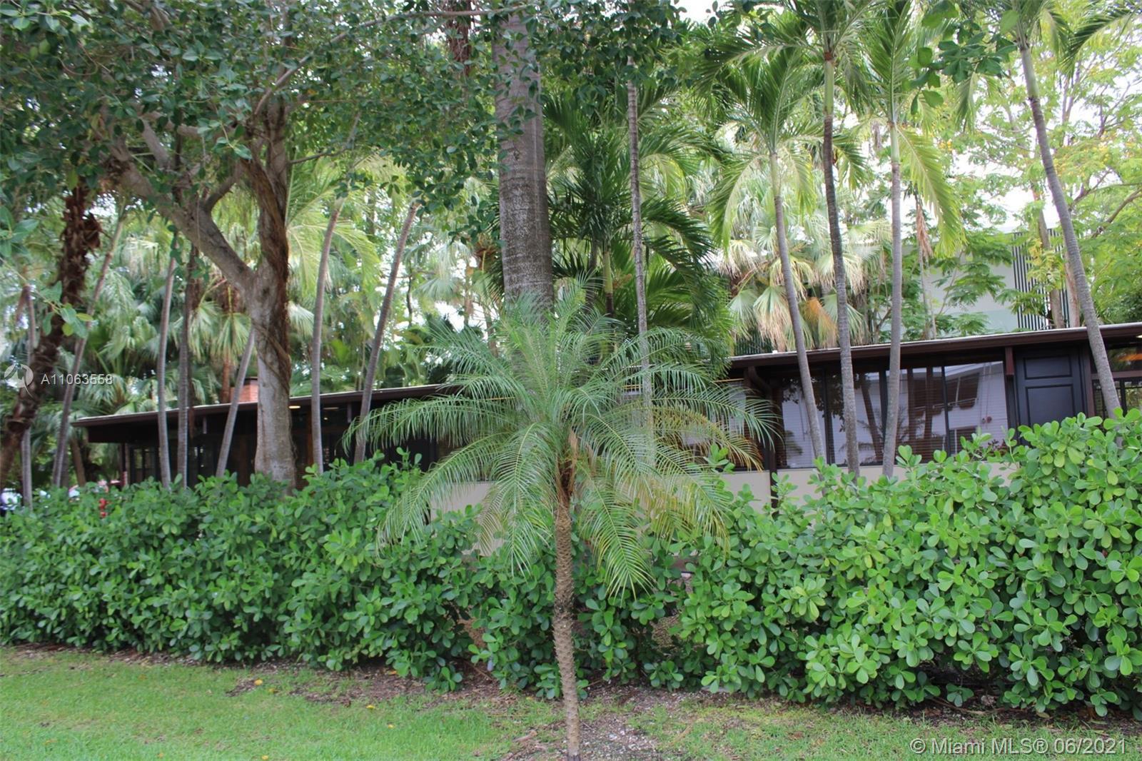 Hibiscus Island - 400 N Hibiscus Dr, Miami Beach, FL 33139
