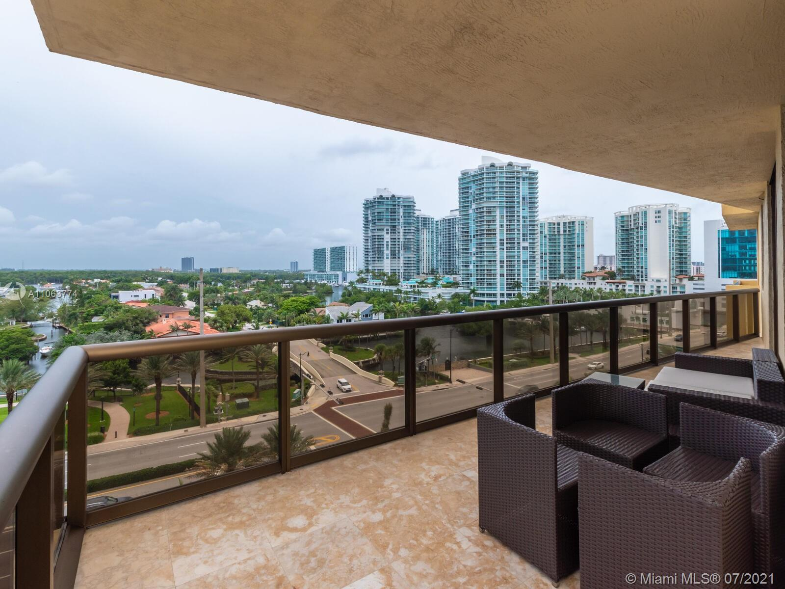 16275 Collins Ave #704 photo027