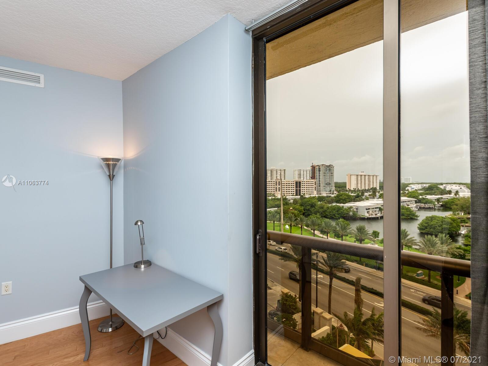 16275 Collins Ave #704 photo042