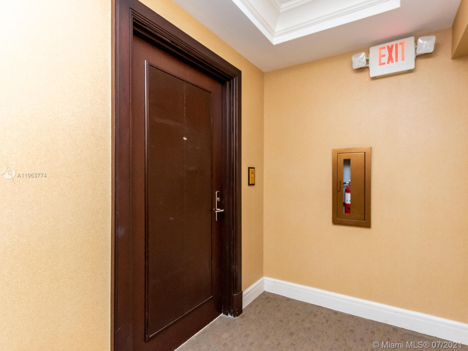 16275 Collins Ave #704 photo013