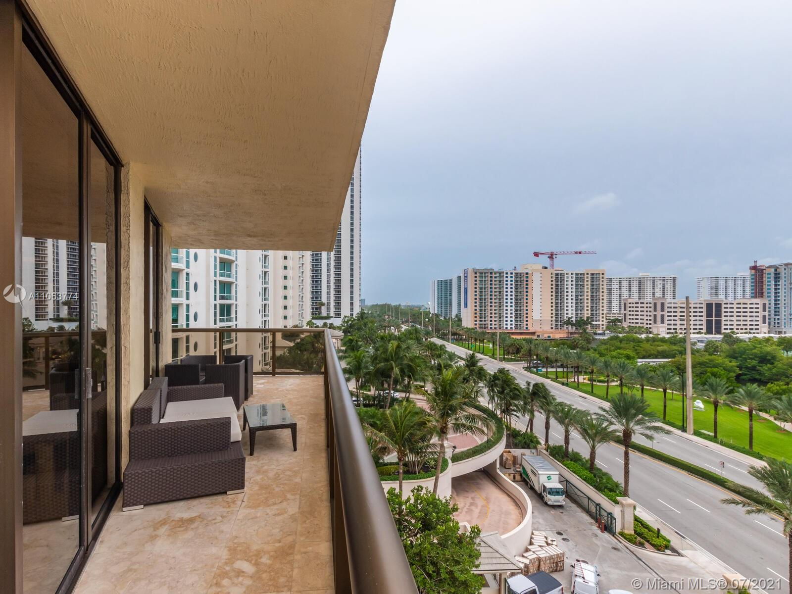 16275 Collins Ave #704 photo030