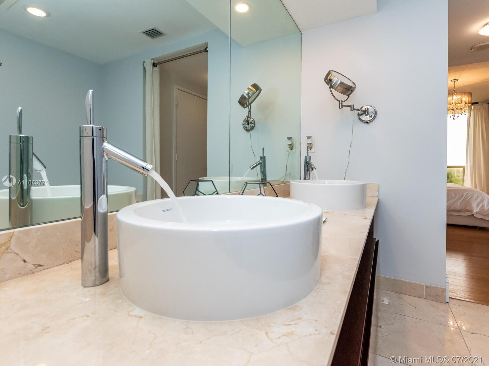 16275 Collins Ave #704 photo038